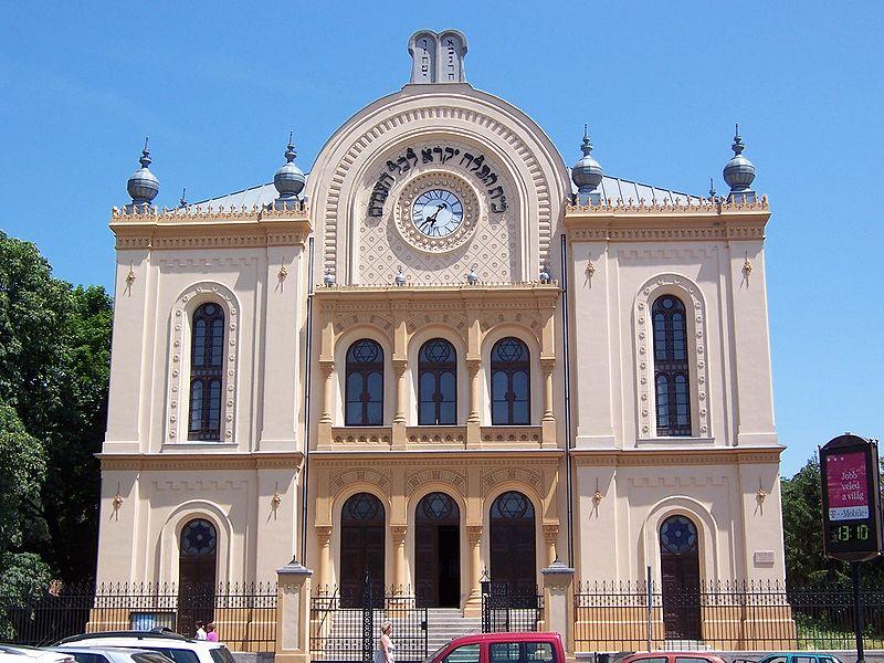 Fájl:Hungary Pecs 2005 June 030.jpg